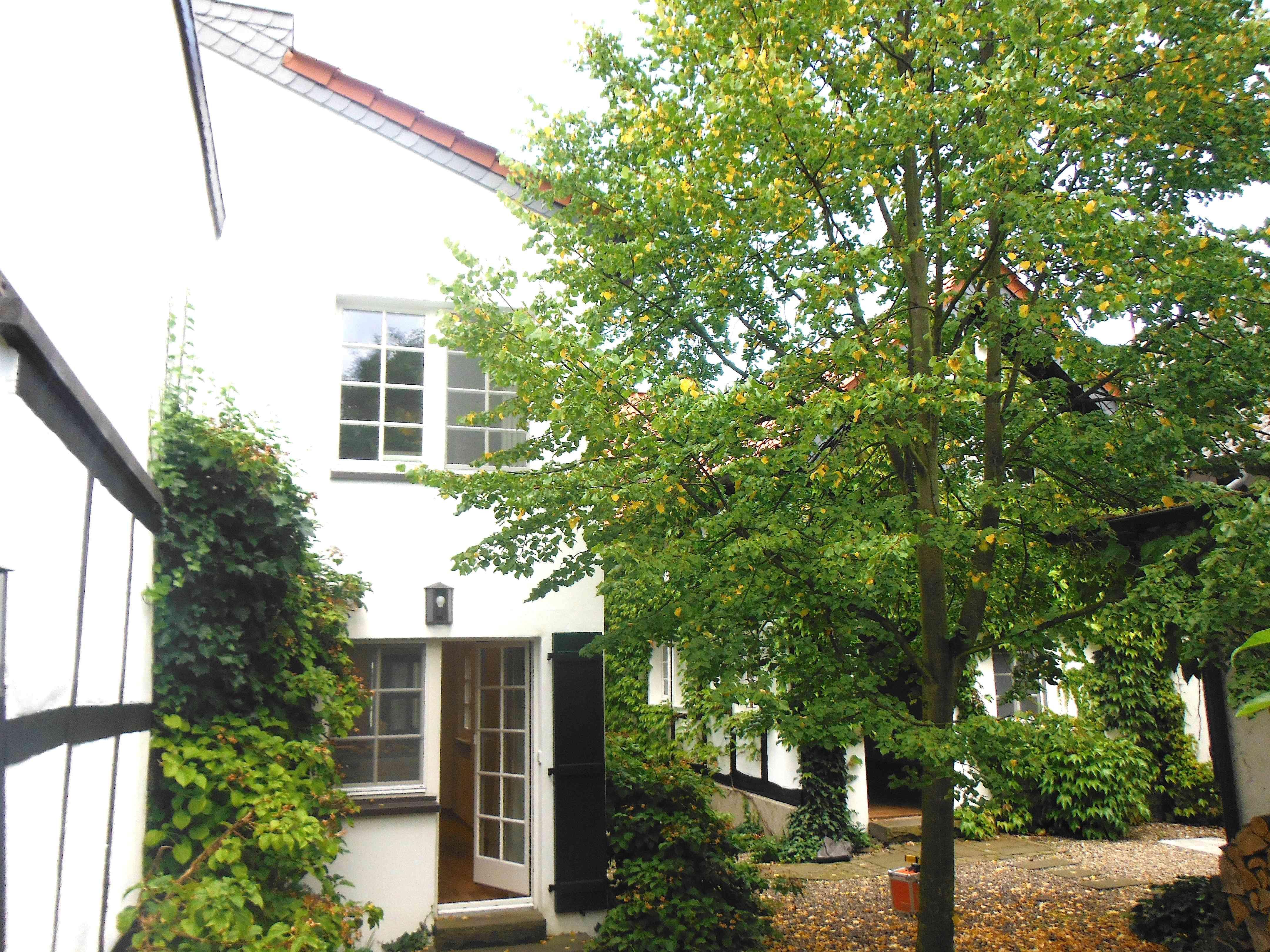 Wohnhaus-Gartenseite